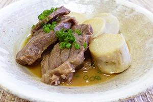 牛すね肉と里芋の味噌煮